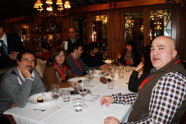 Amigos con lod que compartí mesa en restaurante Ruta del Veleta