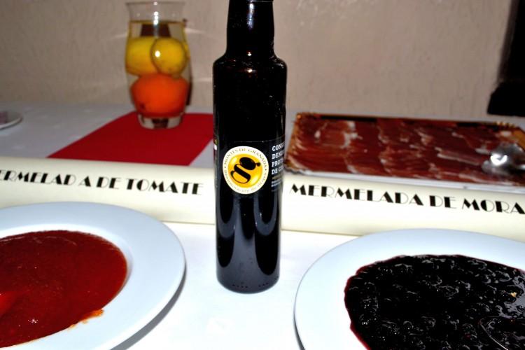 Mermeladas caseras y aceite de oliva virgen extra de la DO Montes de Granada.