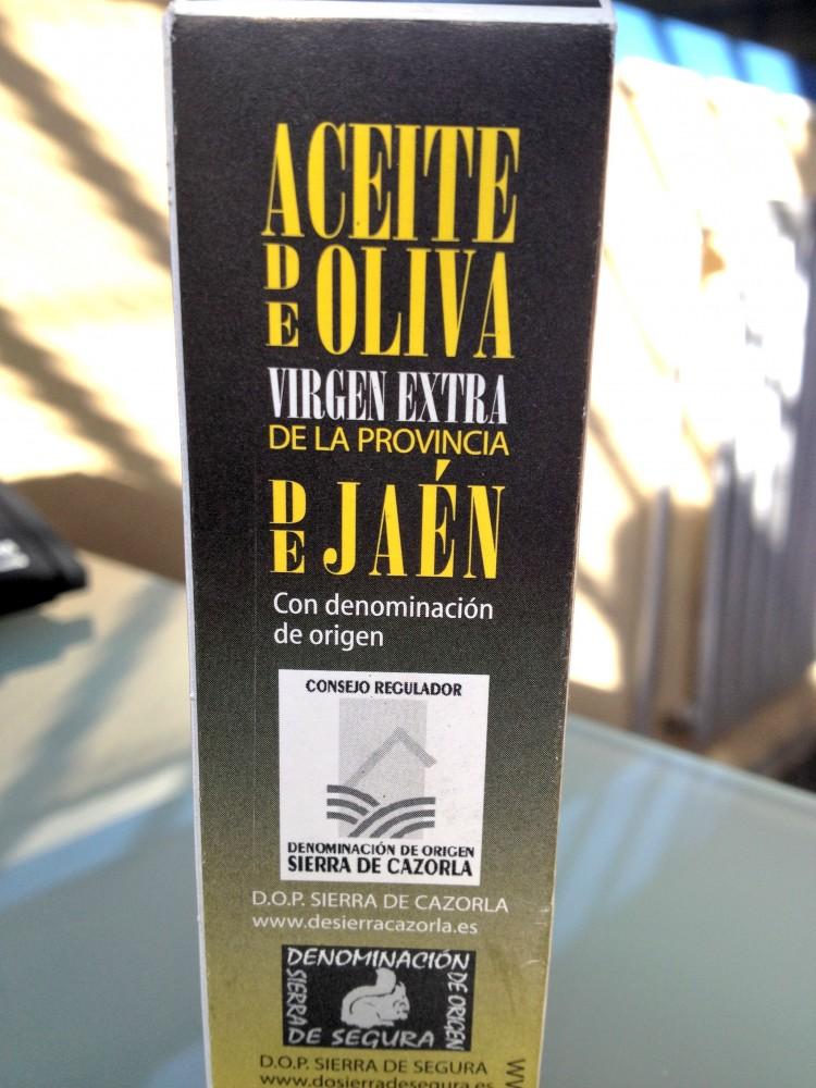 Caja con AOVE DO de Jaén