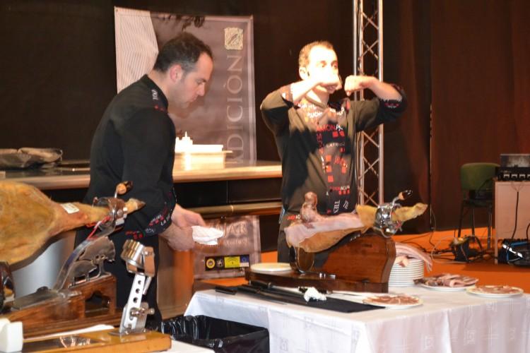 Curso corte de jamón con la D.O. de jamón de Trevelez impartido por Jose Ángel Muñoz Ruiz
